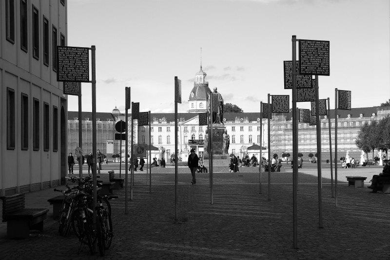 Platz der Grundrechte und Karlsruher Schloss