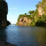 Schroffe Felsen am Rio Yumuri