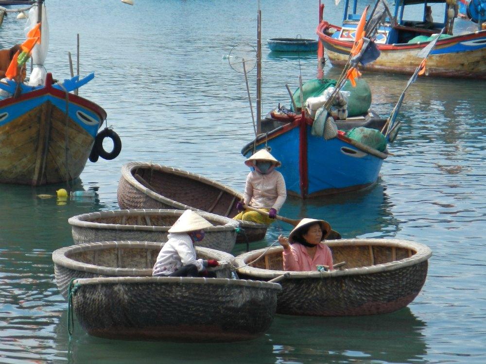 In Vietnam gehören die Hüte aus Reisstroh oder Palmenblättern zum Alltag.