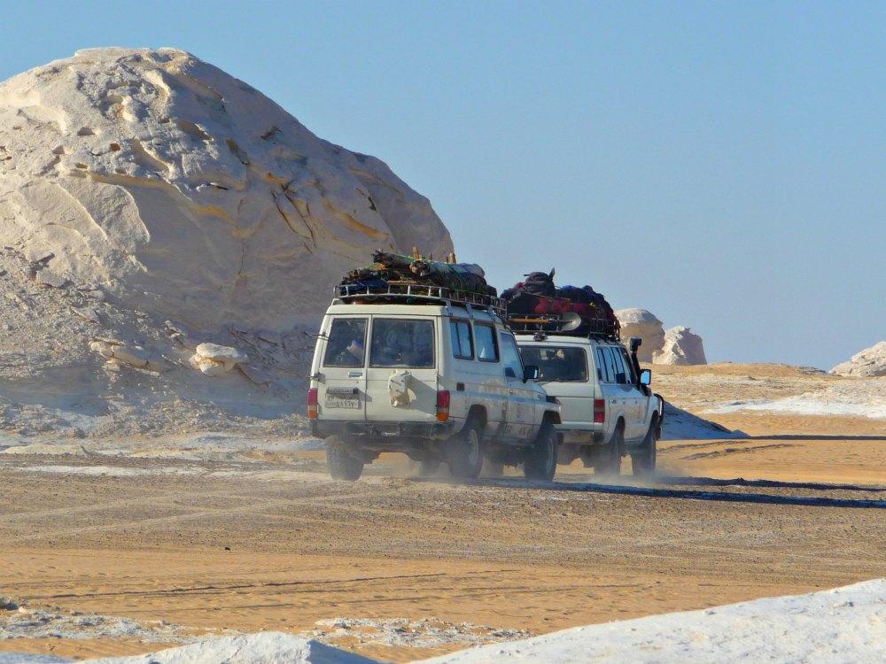 Gruppenreise: Mit dem Jeep durch die ägyptische Wüste