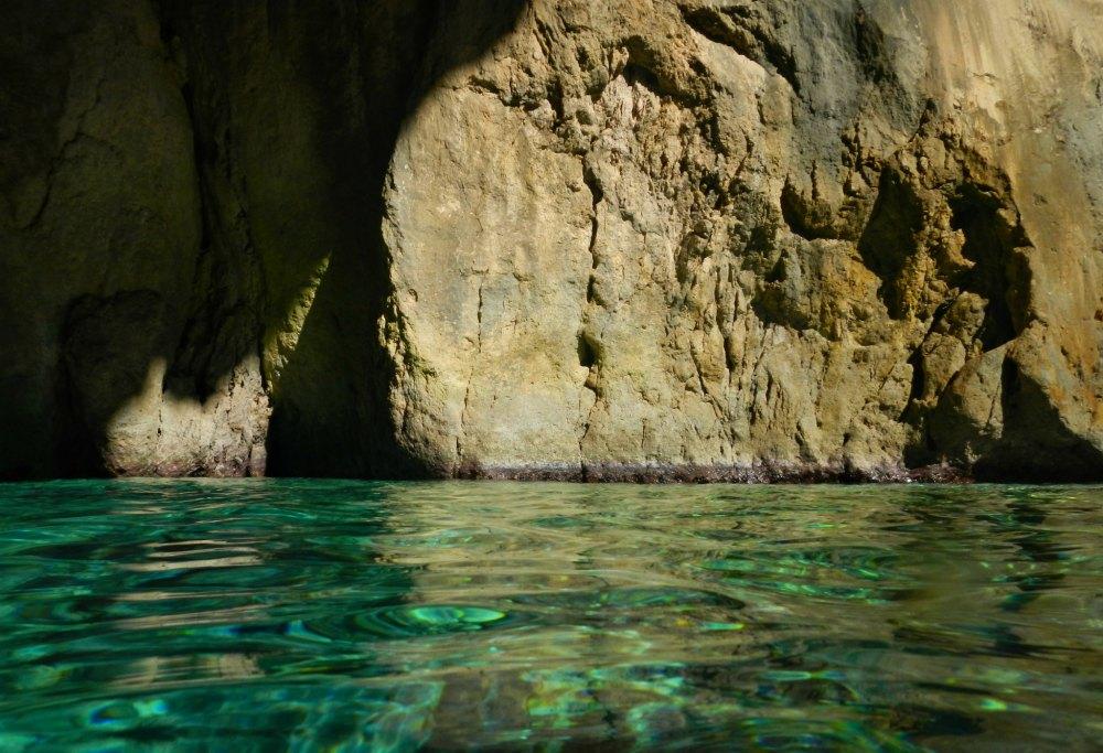 Schwimmend in die Blauen Grotten von Paxos