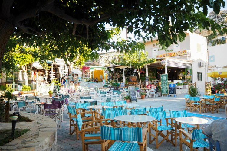 Taverne in Matala | Bild: Gooseberry Pictures