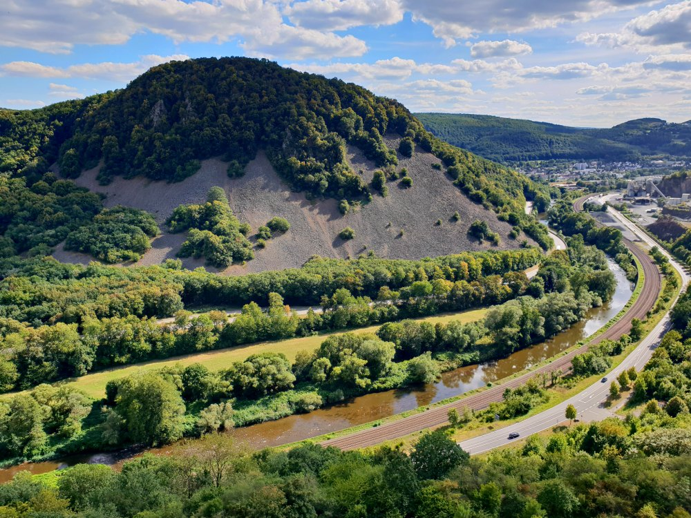 Abwechslungsreiche Flusslandschaften im Nahe-Tal