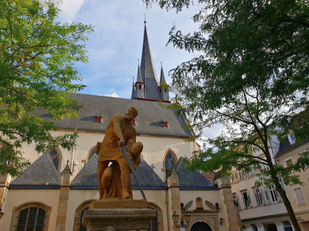 Eiermarkt und Michel Mort Denkmal in Bad Kreuznach