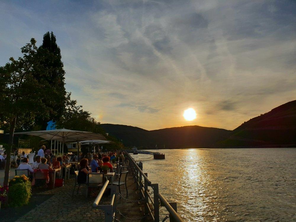 Beste Lage am Rhein: Vinothek Bingen