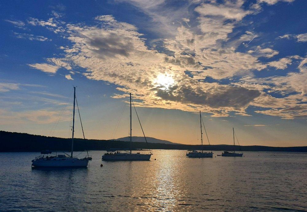 Segeln in der Kvarner Bucht: Ankerbucht Insel Cres