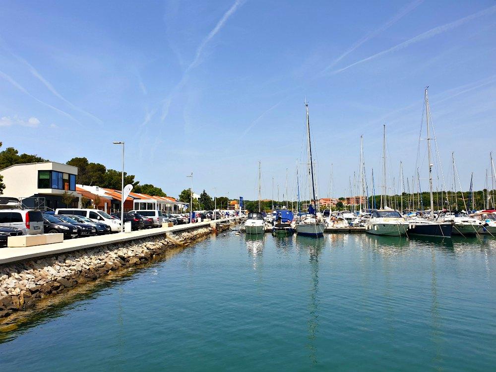 Segeln in Kroatien: Marina Pomer bei Pula