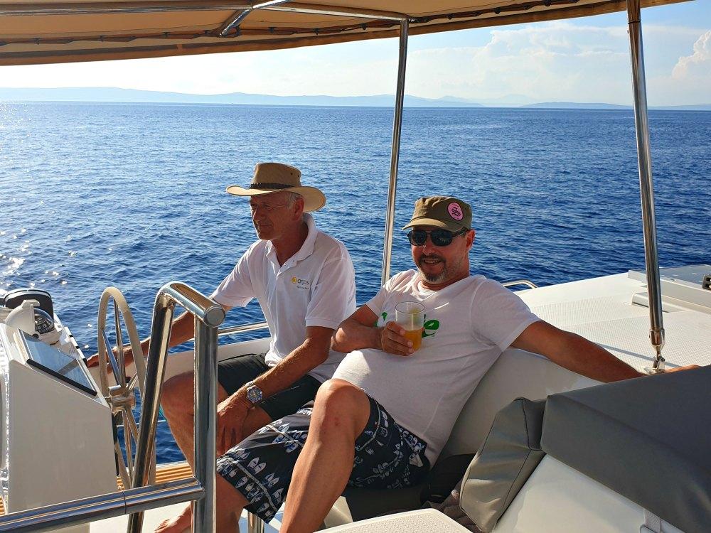 Segelurlaub in Kroatien: Leben auf dem Katamaran Helia 44