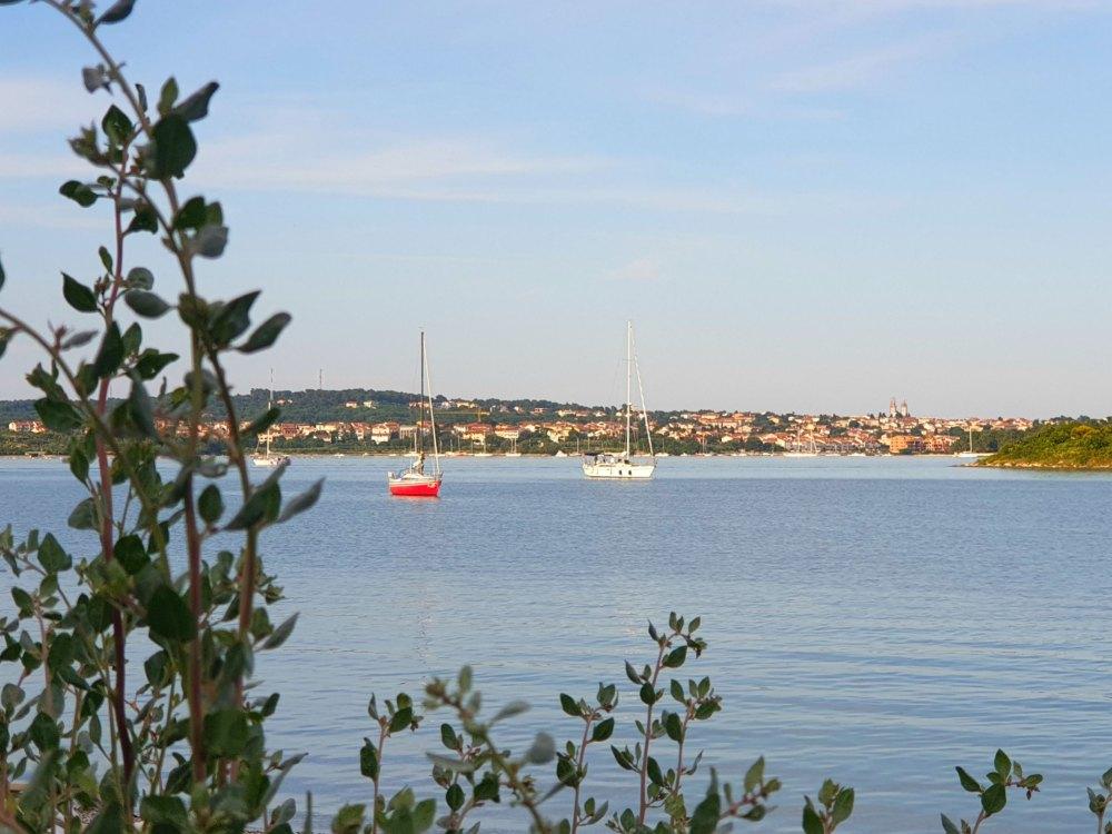 Kroatien: Bucht bei der Marina Pomer