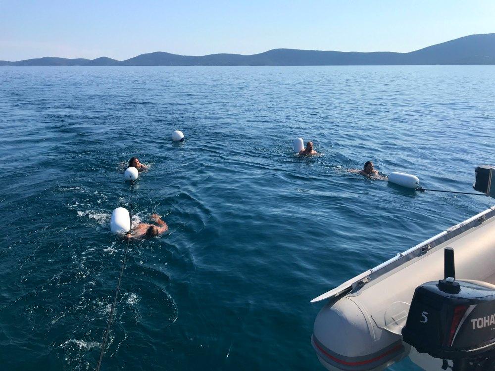 Badespaß beim Segeln in Kroatien