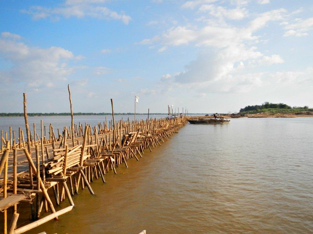Bambusbrücke von Kampong Cham in Kambodscha