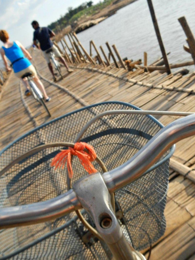 Kampong Cham: Mit dem Rad über die Bambusbrücke