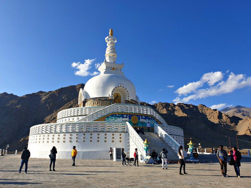 Shanti Stupa in Ladakhs Hauptstadt Leh