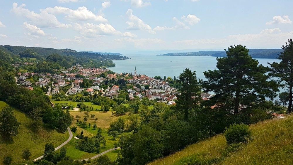 Wanderung in Sipplingen mit Ausblick auf den Bodensee | Bild: TheHikeTribe