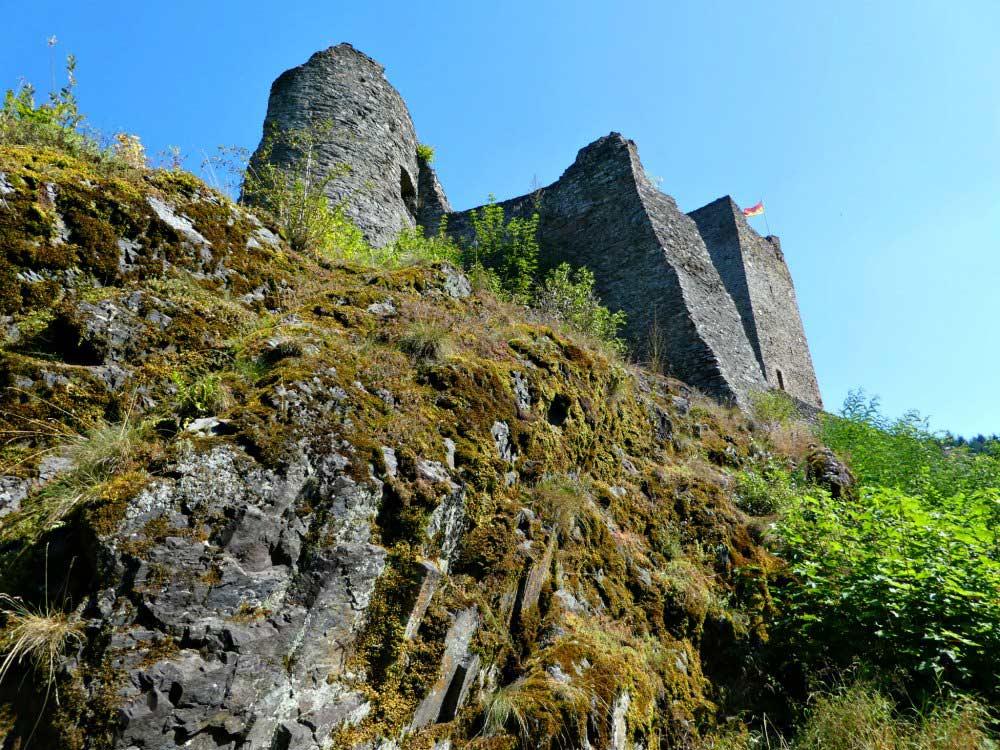 Wanderung auf dem Manderscheider Burgenstieg: Oberburg