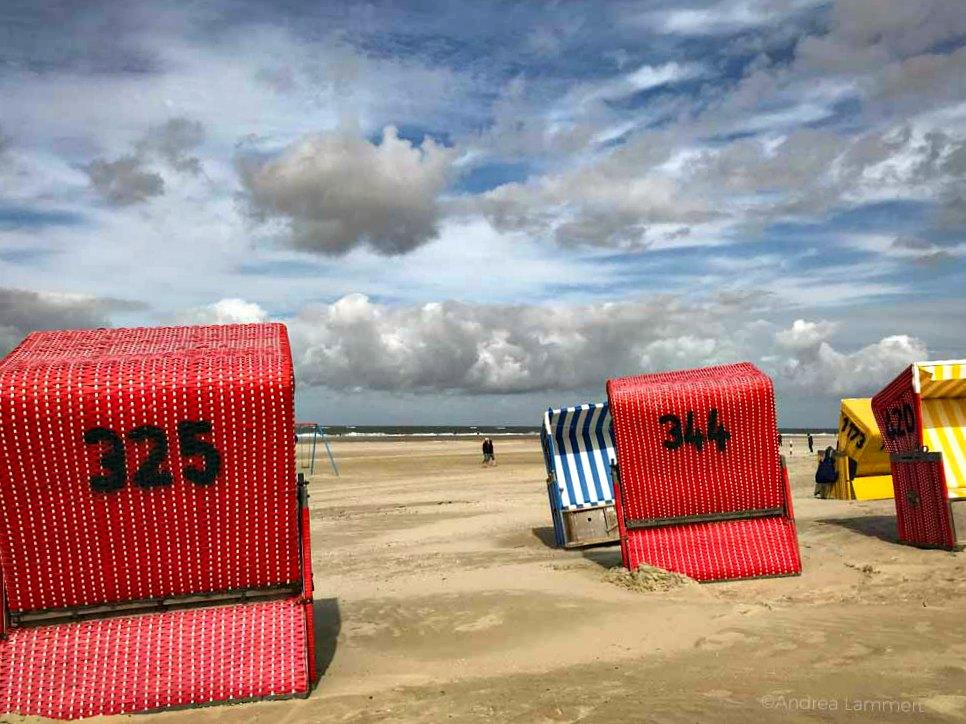 Strandkörbe auf Langeoog | Bild: Indigo Blau