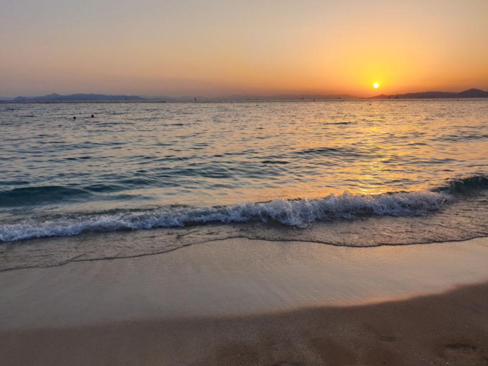Letzter Sonnenuntergang am Meer