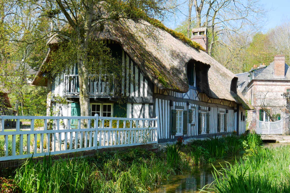 Wohnmobil-Tour in der Normandie: Landidylle in Veules-les-Roses