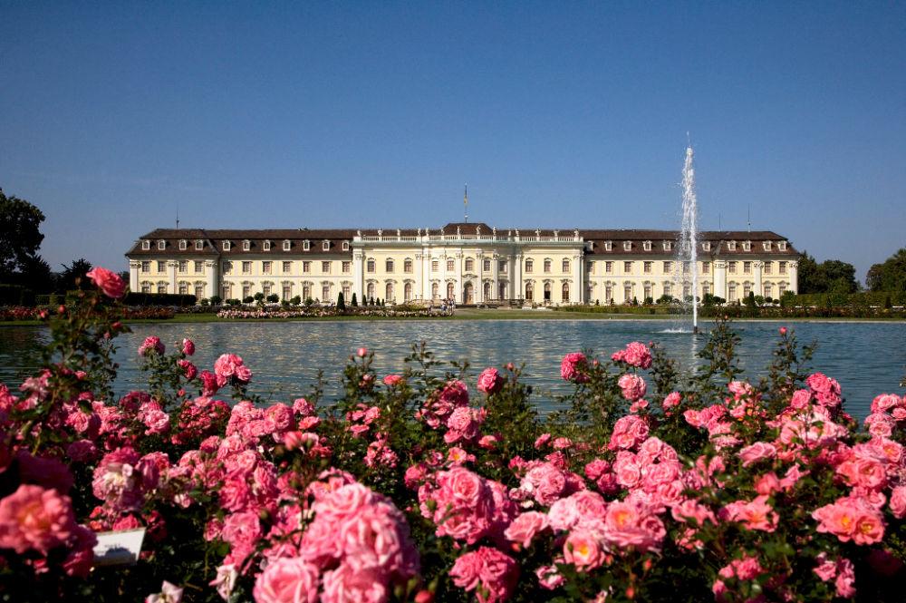 Blütenpracht am Schloss Ludwigsburg; Bildnachweis: TMBW / Achim Mende