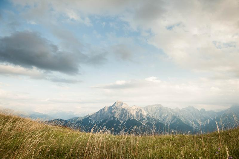 Blick auf das Serles-Massiv   Bild: TVB Stubai Tirol/Andre Schönherr