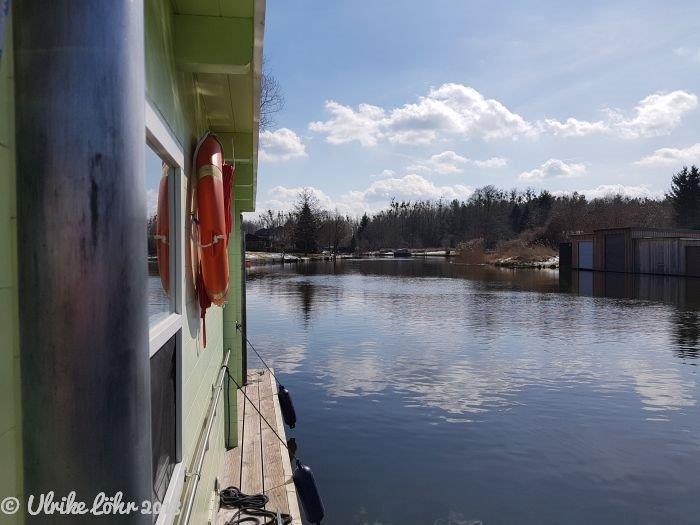 Mit dem Hausboot auf der Havel | Bild: Zypresse unterwegs